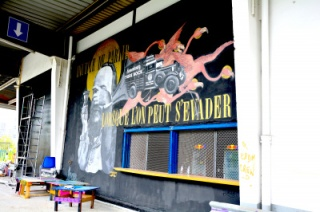 290610-laerosol-le-spot-tendance-des-amoureux-du-street-art-4